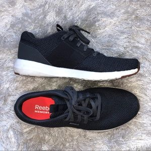 Reebok Mens Sz 8 Gray Shoes EUC LIKE NEW